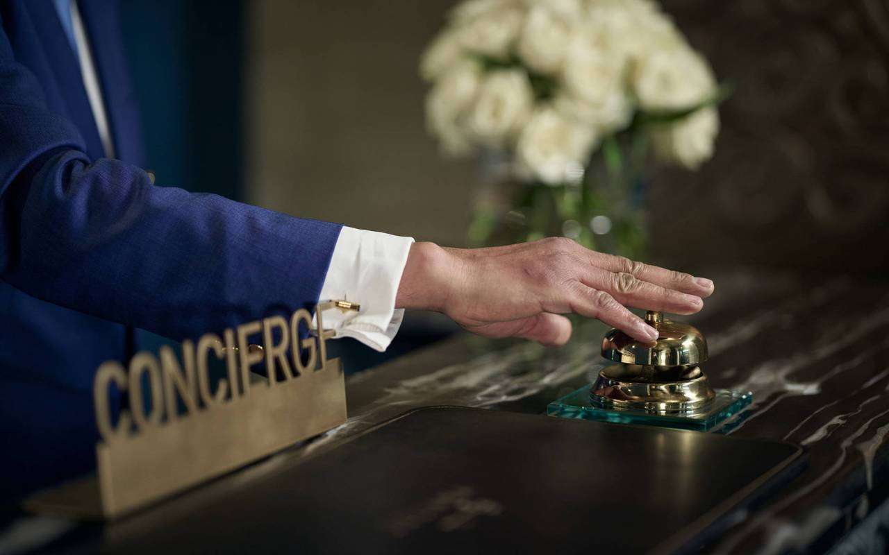 concierge, 5-star luxury hotel, Juliana hotel Brussels